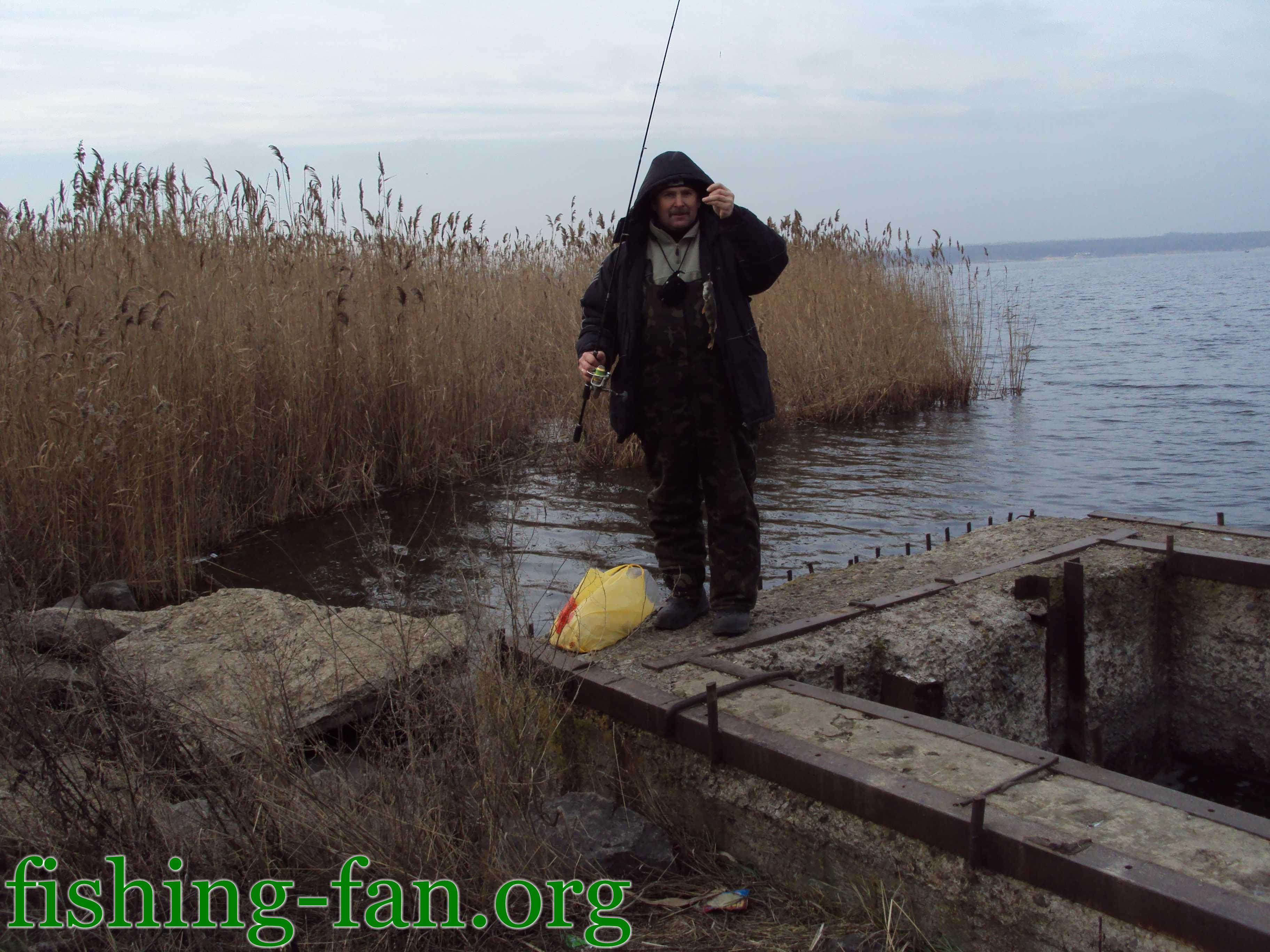 Рыбака 12 01 2011 зимняя рыбалка в украине