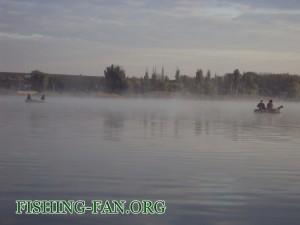 рыбалка с лодки осенью в Донецкой области