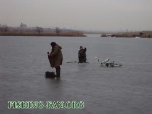 ловля со льда в декабре в Донецкой области