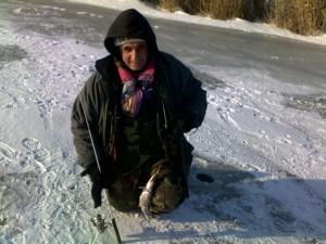 ловля щуки. зимняя рыбалка в Донецкой области.