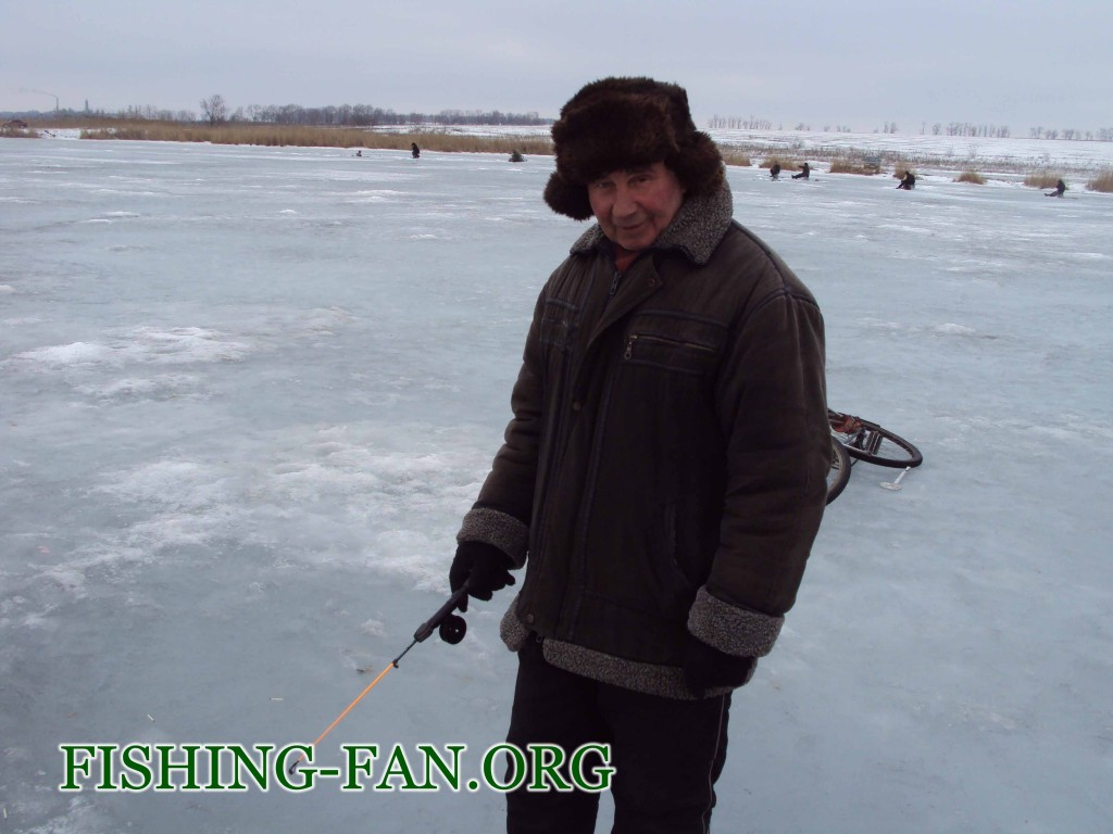 зимняя рыбалка в красногоровке на Борисовке