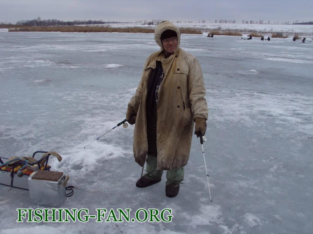 рыбалка зимой в Марьинском районе на Борисовке