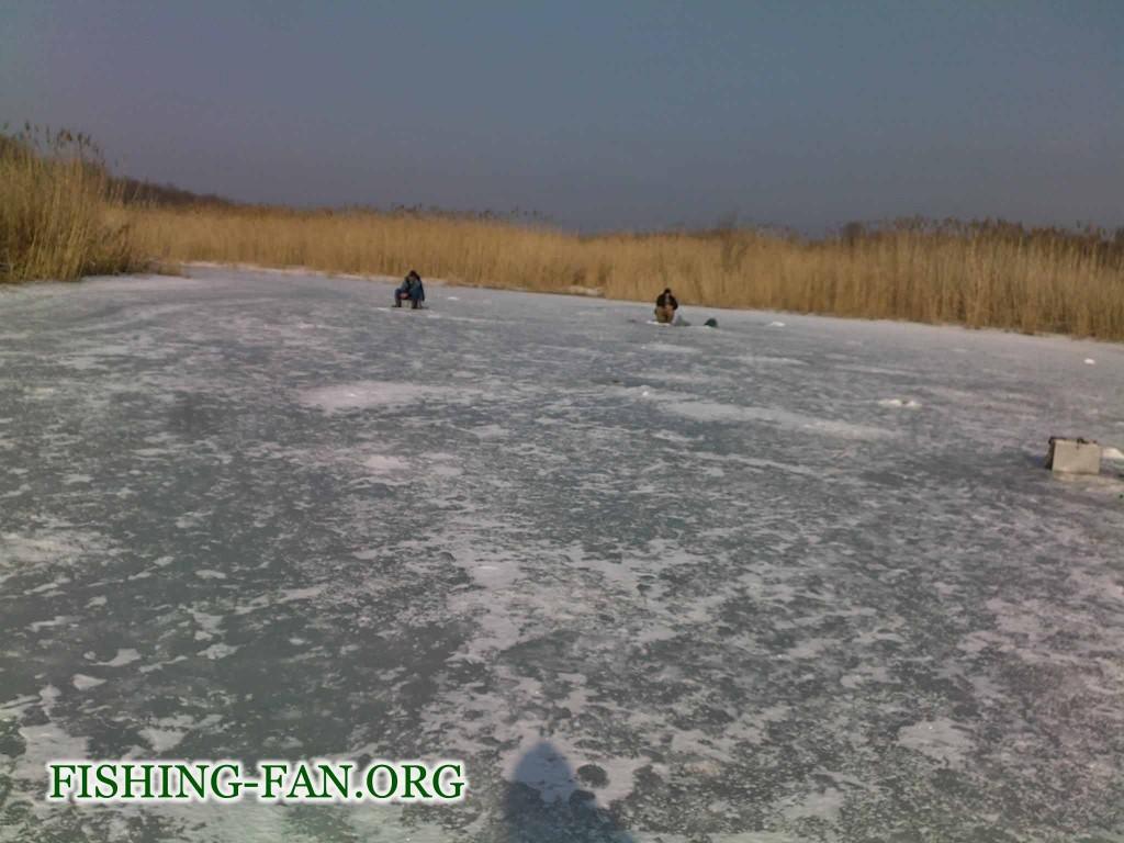 Лов красноперки в марте со льда