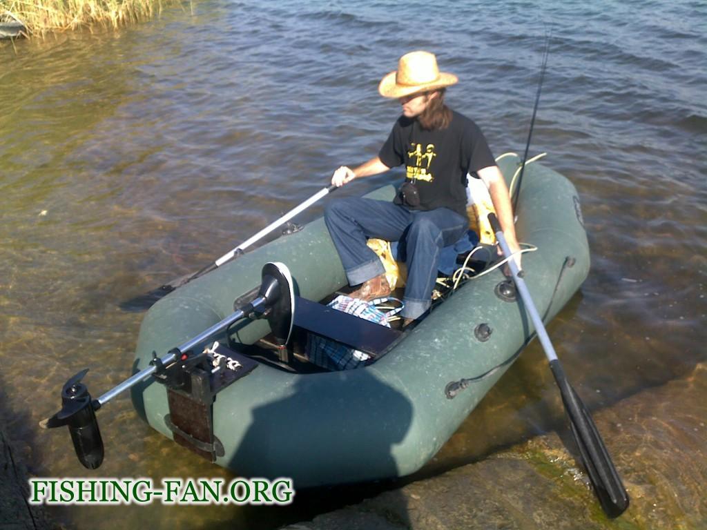 Ловля спиннингом с лодки на Верхней Карловке