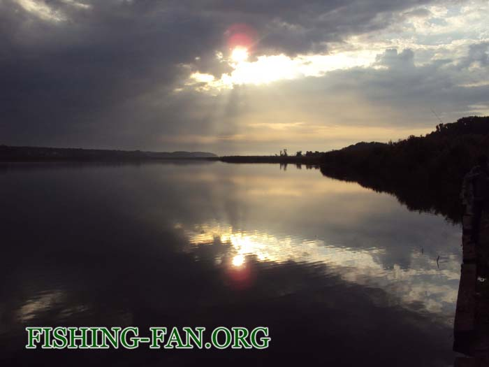Ловля судака и окуня на спиннинг на водоеме с.Константиновка, Донецкой области