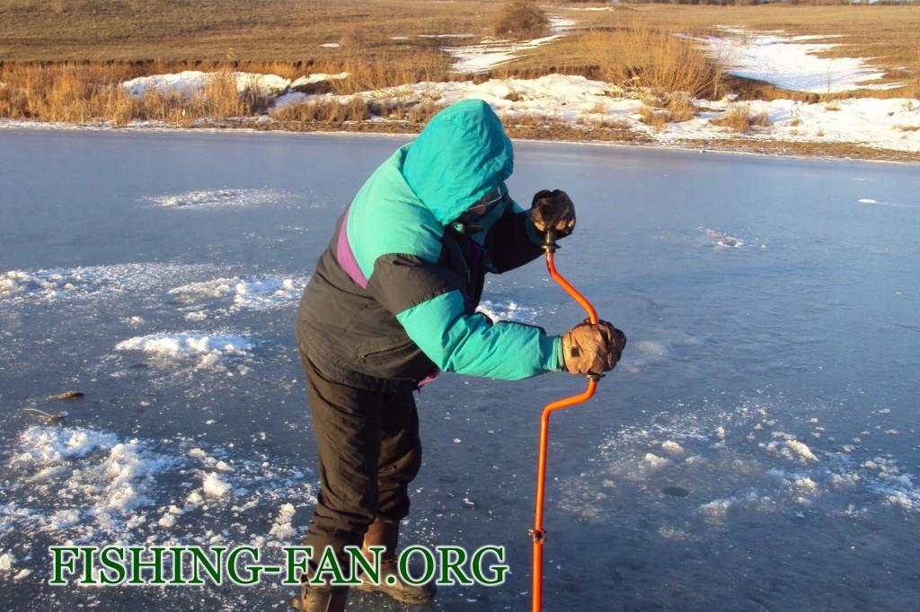 Ловля окуня на Николаевском водозранилище.