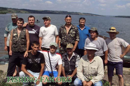 Отчет о летнем  фестивале по ловле хищника спиннингом с лодок форума Красногоровских рыбаков проходившем на водоеме верхняя Карловка 30 06 13 г.