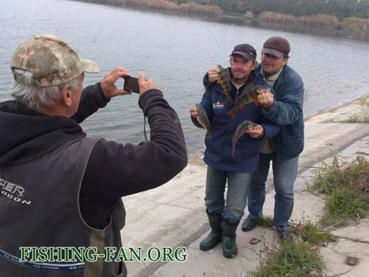 Ловля крупного окуня на водоемах Донецкой области с лодок на спиннинг