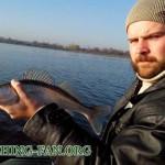 Дневник рыбака 22 10 13г. Ловля судака на спиннинг с лодок на водоеме с. Константиновка в начале ноя...
